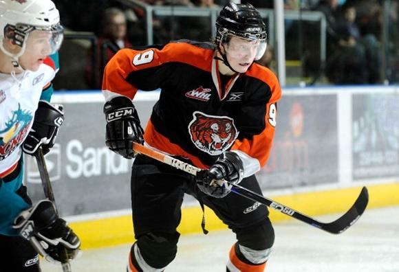 Hunter Shinkaruk - Medicine Hat Tigers